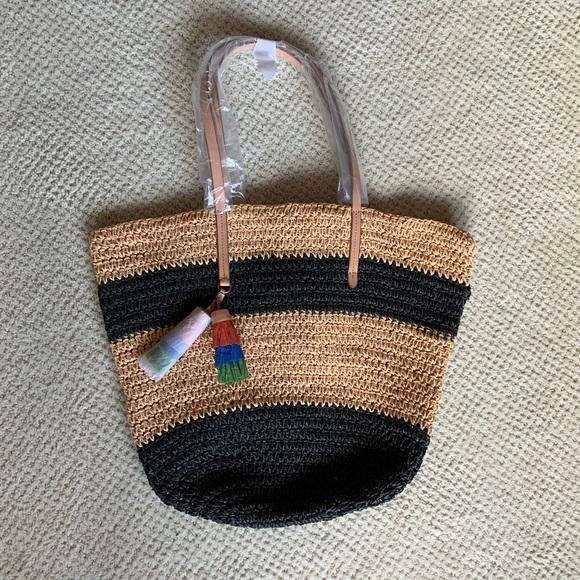 J. Crew Handbags - NWT J. Crew straw beach bag with tassels!!